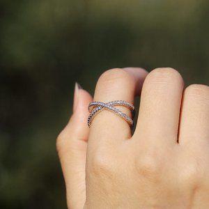 NEW 18K White Gold Diamond Infinity Cross Ring